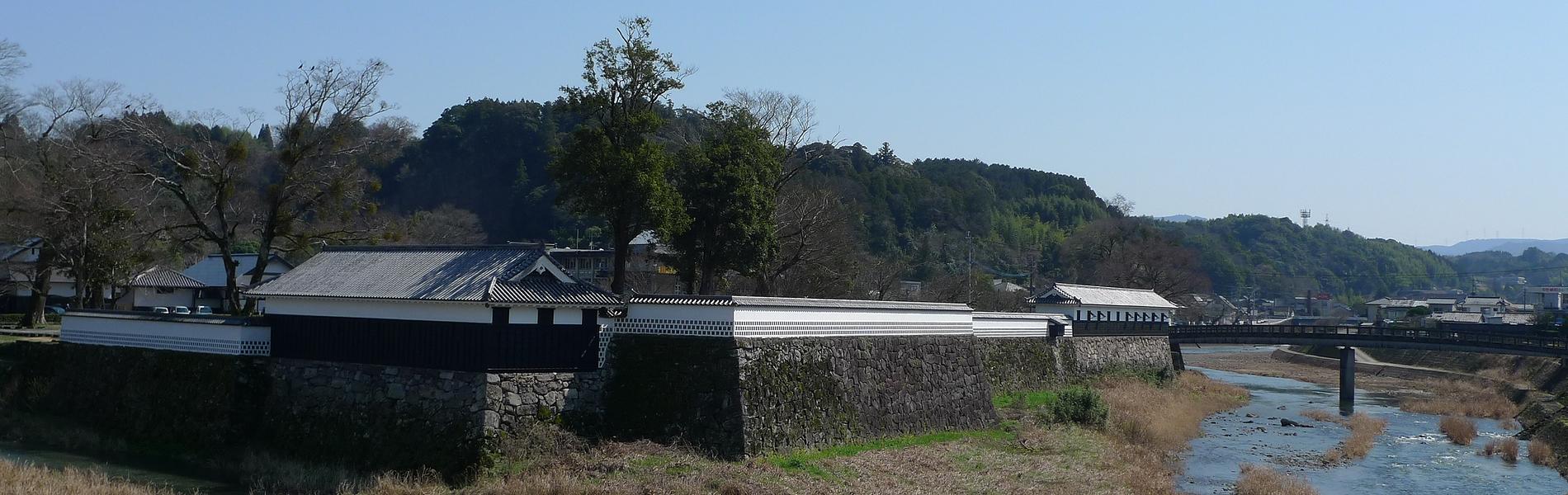 人吉城跡と球磨川